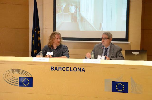 Esguard de Dona Campanya per informar els ciutadants europeus dels Drets dels passatgers