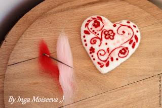 come realizzare cuore con lana cardata ed aghi