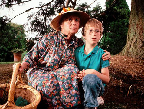 Helga y Luke en La maldición de las brujas - Cine de Escritor