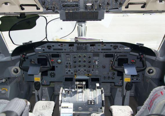 Bombardier Dash 8 Q300 cockpit