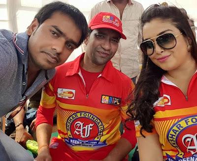 Amrapali and Nirahua at Bhojpuri IPL 2015
