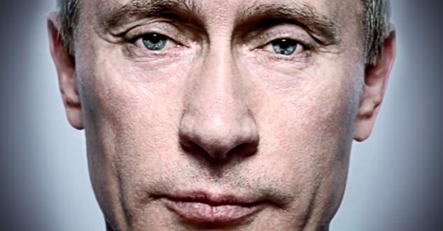 """""""Наместио сам свој мали студио, врата су се отворила и Путин је умарширао са два своја преводиоца, четири или пет политичких саветника и бандом крупних момака. Обријаних, са ожицима на лицима, знате... опасни момци. Рекао сам: """"господине Председниче, ово је дивна земља, част мије да сам овде  да ћу урадити ово"""". Затим сам додао: """"Имам питање за Вас"""". Они су му шапнули на уво а онда се окренули ка мени и рекли: """"шта желите да питате, господине Платоне?"""". Рекао сам: """"Ја сам Енглез, волим Битлсе. Да ли их и Ви волите?"""". Он се окренуо ка преводиоцима, затим ка својим политичким саветницима и на руском наредио """"Одмах!"""". Сви су пожурили да изађу из собе. Остали смо само ја, Путин и опасни момци. Окренуо се ка мени и тихо, на савршеном енглеском, рекао: """"Волим Битлсе"""". Та поп-арт веза ми је омогућила да му се приближим и тако се однос опустио.   Истина је да је лице које сам фотографисао, лице хладне моћи и ауторитета Русије.     Онда је сео назад на столицу и приказао своју моћ за мене. Рекао бих да воли фотографисање. Добијао сам од њега честитке за Божић. Али, најневероватнија ствар за мене је била та да је његова опозиција користила баш ту фотографију да прикаже све оно лоше што мисли о њему. и о моћи и ауторитету у Русији. """"Покрети за људска права"""", покрети мужеложника, на свим јавним демонстрацијама против њега, користили су моју фотографију. Постала је њихова застава. То је највећа част коју сваки фотограф може да доживи.   И... честитке за Божић су престале да стижу"""" испричао је за Хафингтон Пост фотограф који је направио најупечатљивију фотографију Владимира Путина."""
