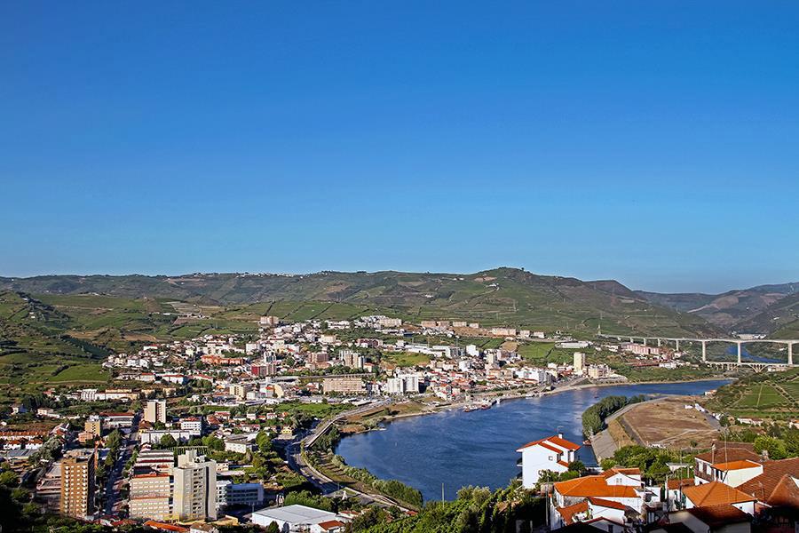 Город Пезу-да-Регуа в Дору, Португалия