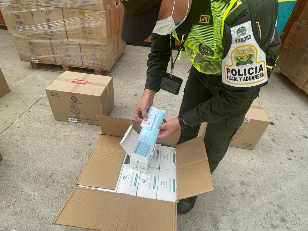 https://www.notasrosas.com/ decomisa en vía la Costa al interior del país, cargamento de tapabocas por más de 385 millones de pesos