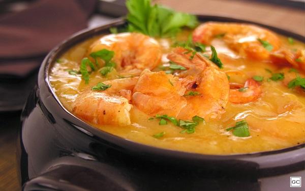 Receita de bobó de camarão cremoso (Imagem: Reprodução/Guia da Cozinha)