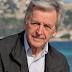 Μακάβρια γκάφα: Ποιοι «πέθαναν» τον πασίγνωστο Έλληνα σκηνοθέτη Κώστα Γαβρά (εικόνες)