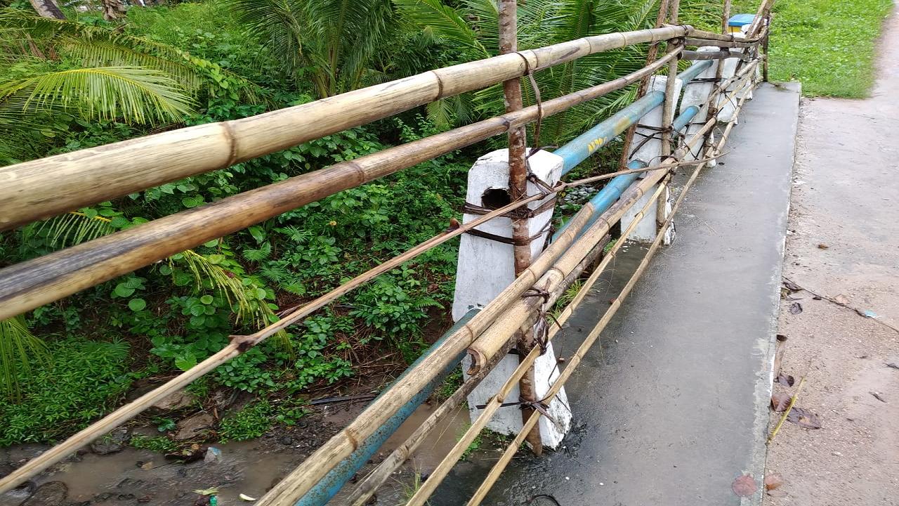 Penahan Jembatan hanya memakai Bulu
