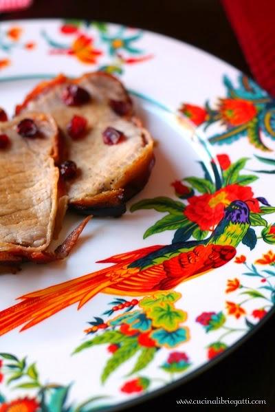 lonza maiale funghi finferli mirtilli rossi
