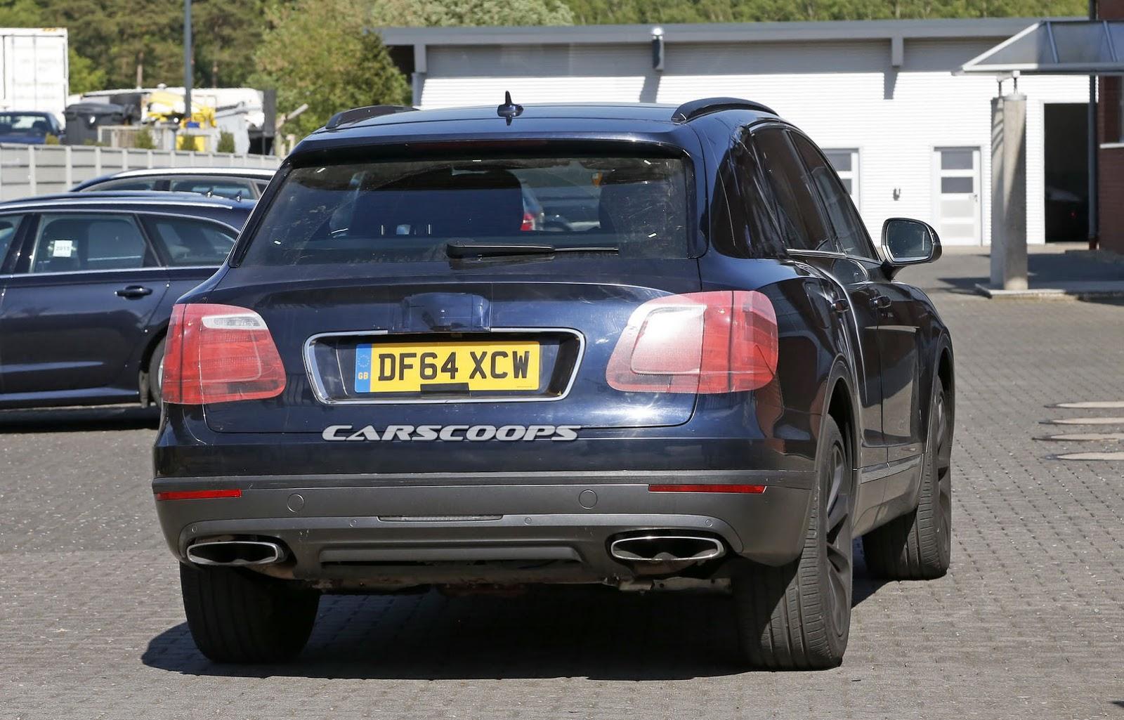 2016 Bentley Bentayga (SUV) 34