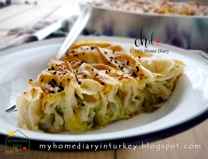 Turkish Leek Pastry borek / Pırasa Böreğı. If you want to experience Mediterranean- middle east cuisine, start with this simple Pırasa Böreğı, you are going to love it! #leek #börek #burek #phyllopastryrecipe #turkishfood #turkishborekpastry #citrashomediary #maindish #sidedish #mediterranean #middleeast #ayran #yoghurt