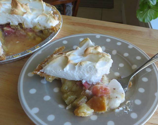 Rhubarb Meringue Pie
