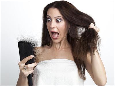 बालों का गिरना