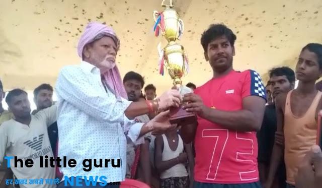 पंचायत स्तरीय टूर्नामेंट के रोमांचक फाइनल में बगहा ने बेलही को 10 रनों से हराकर ख़िताब पर जमाया कब्ज़ा