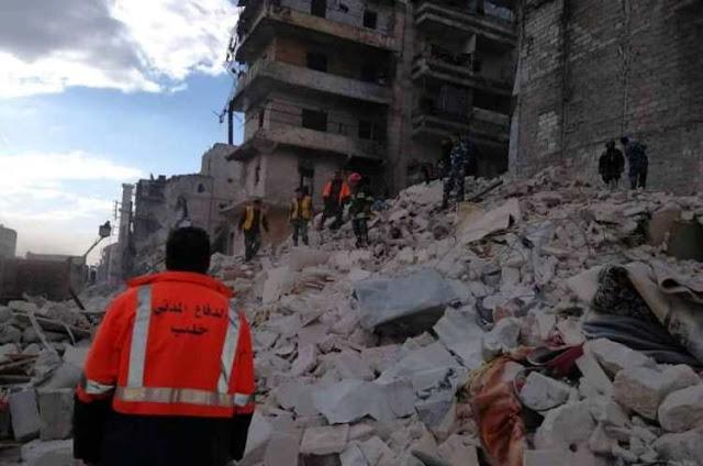 انهيار مبنى سكني في حلب يودي بحياة 11 شخصاً.