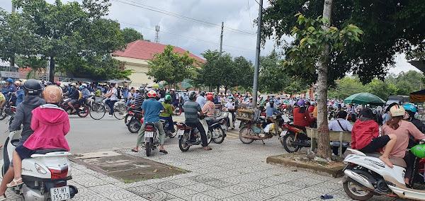 Ảnh thực tế dân cư đông đúc quanh vị trí đất đang bán tại huyện Dầu Tiếng, Tỉnh Bình Dương