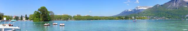 Vista Panoramica sul Lago di Annecy, anche detto Lago Blu