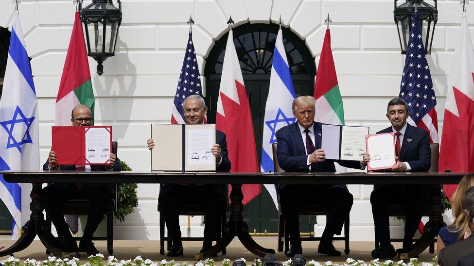 Alasan UEA dan Bahrain Normalisasi Dengan Israel, Logis?