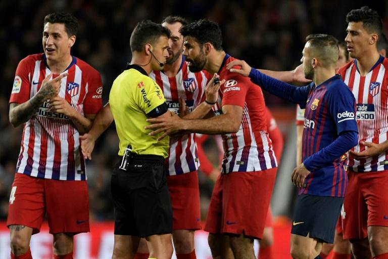 إيقاف كوستا ثماني مباريات لإهانة الحكم وأتلتيكو سيستأنف
