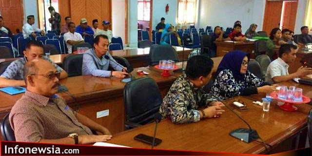 Gara-gara Kue Telat Datang, Legislator Marah dan Robek Daftar Hadir