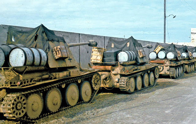 German%2BMarder%2BIII%2BH%2Btank%2Bdestroyers%2Bin%2BTunisia - World War II in Color