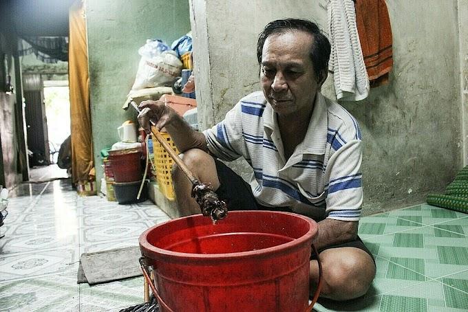 Saigon's last cockroach hunter