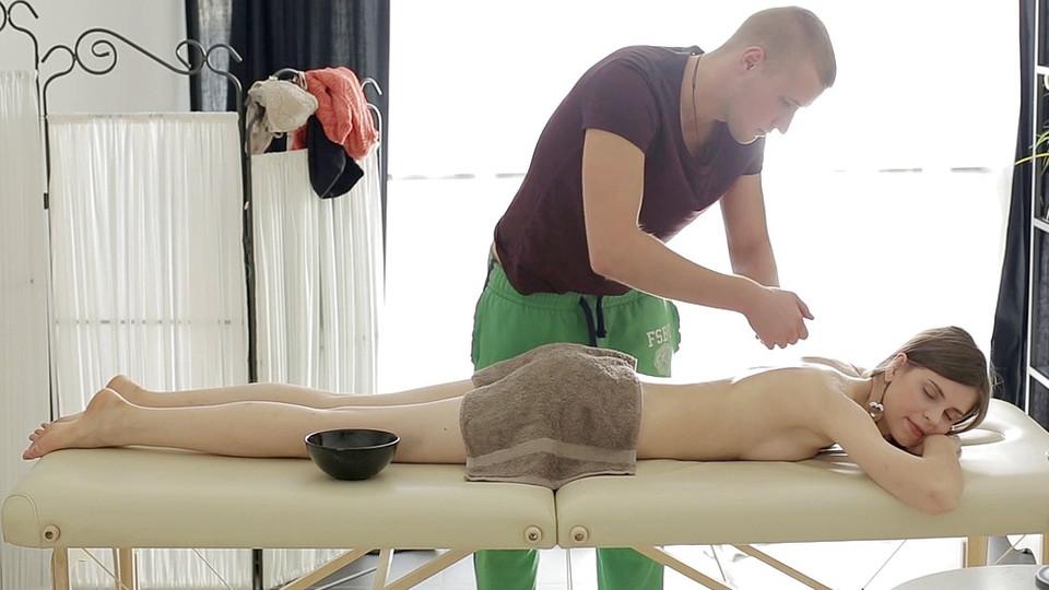 Spectacular massage porn movie – Anna Taylor