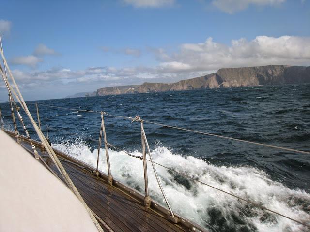 Top Ten+ Novels Based on Sailing (fiction)