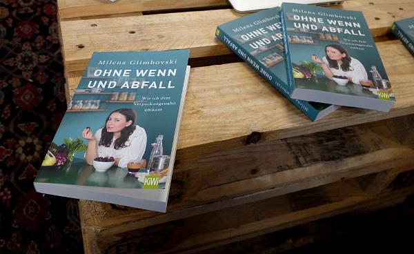 Buch Am Rande Der Autobahn Hotels Und Restaurants
