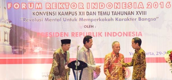 Pengamat: Pembungkaman Kampus! Rektor Dipilih atas Restu Jokowi