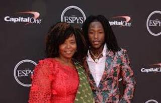 Alvin Kamara With His Mom