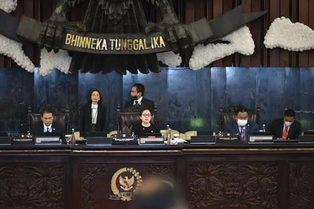 ICW Curiga Ada Upaya Selipkan Omnibus Law Melalui Perppu Corona