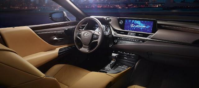 interior-mewah-mobil-sedan-lexus-es-300h