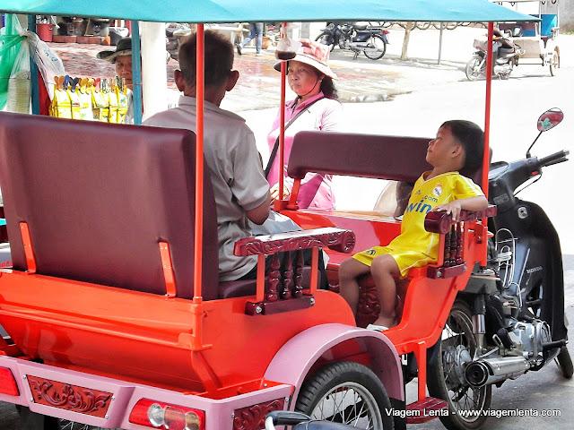 Como qualquer cidade da Ásia, uma Siem Reap cheia de tuktuks