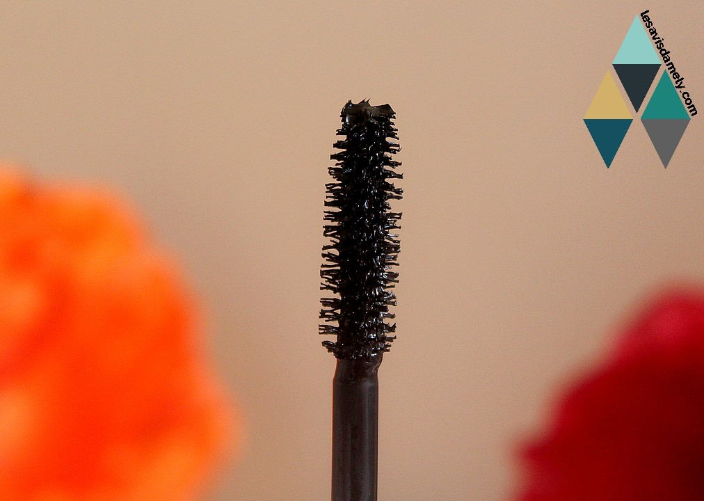 mascara volume ultra black longue tenue