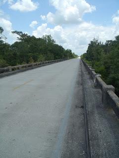 Puente sobre el Peace River