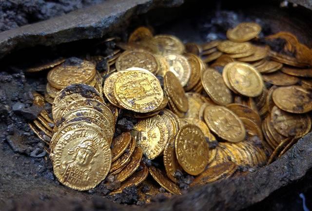 Arti Mimpi Menemukan Emas Menurut Primbon Jawa Lengkap ...