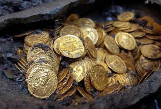 Arti Mimpi Menemukan Emas Menurut Primbon Jawa Lengkap