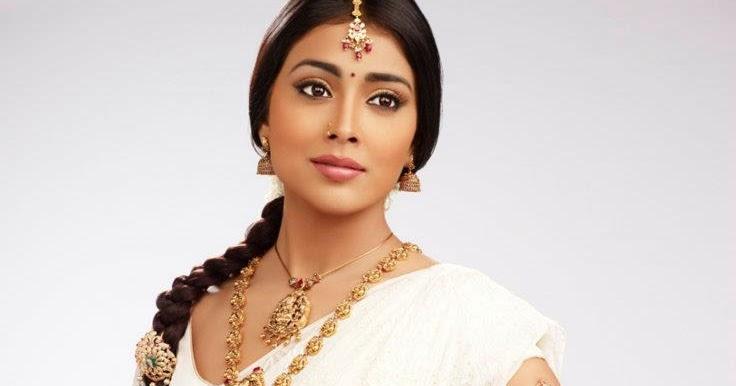 Shriya Saran High Resolution Images: Shriya Saran Hot Cute PhotoShoot For Saravana Stores
