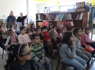 Les élèves de Cours Préparatoire et de Cours Elémentaire 1ère année de l'école Jean Jaurès de Montceau-les-Mines