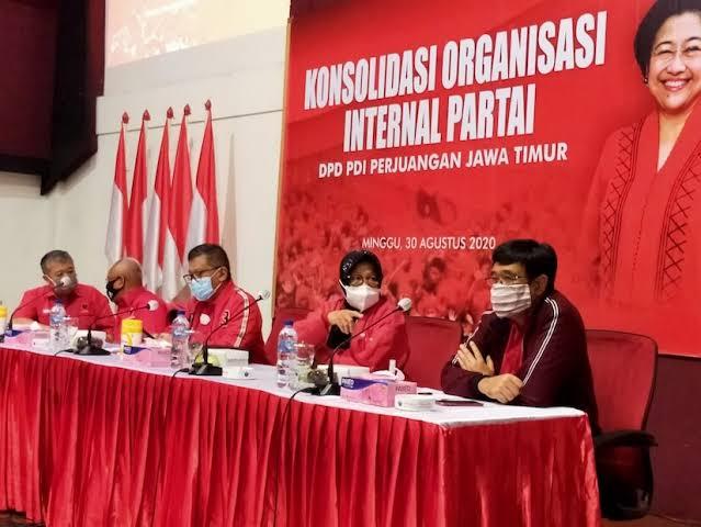 Hasto dan Risma Dikabarkan 'Berselisih' di Pilkada Surabaya