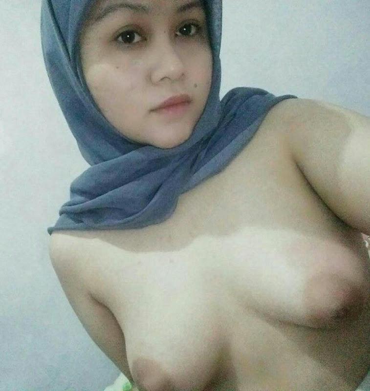 jilbab cantik chubby telanjang