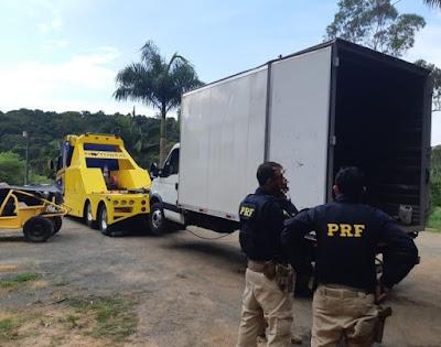 PRF apreende mais caminhões roubados em desmanche clandestino em Jacupiranga