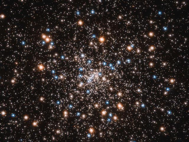 Aglomerado Globular NGC 6397 onde se encontra uma grande concentração de buracos negros de massa estelar