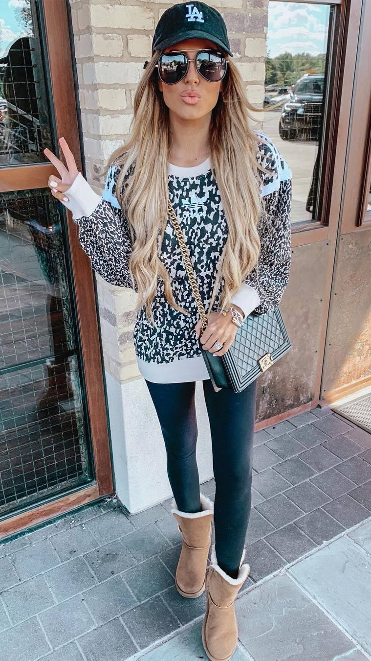 street style obsession / boots + leggings + hat + bag + sweater