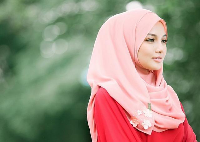 Cara Pakai Tudung Neelofa Cantik Menawan