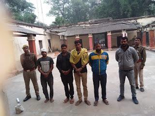 धनंजय सिंह व सपा समर्थक के बीच हुए मारपीट मामले में पांच वांछित अभियुक्त गिरफ्तार   #NayaSaberaNetwork