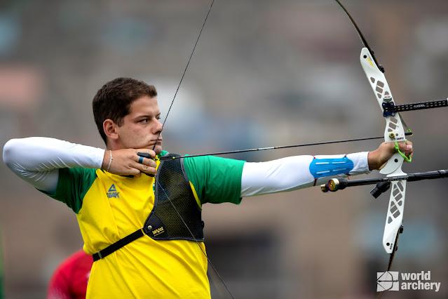 Marcus D'almeida em competição do tiro com arco nos Jogos Pan-Americanos Lima 2019