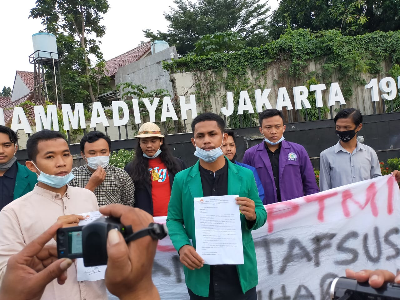 BEM PTM Zona III Minta Jokowi Bubarkan Staf Khusus Millenial