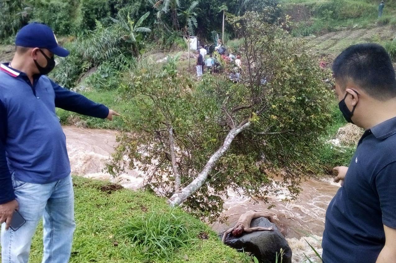 Penemuan Mayat Tanpa Busana Di Sungai Cikundul Gegerkan Warga Palasari