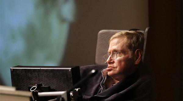 Stephen Hawking Hayata Gözlerini Yumdu